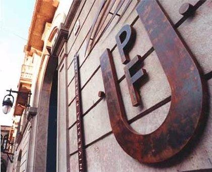 La Biblioteca de la UPF suma 600 volúmenes de Medicina