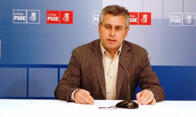 El diputado socialista Jose Ángel Lacalzada