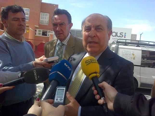 El alcalde de Granada, José Torres Hurtado.