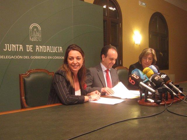 Rafael Rodríguez con Isabel Ambrosio y Marisantos Córdoba