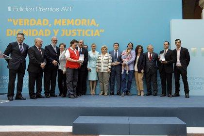 """González dice que sufrimiento de las víctimas sigue """"cada vez que un político se apunta al borrón y cuenta nueva"""""""