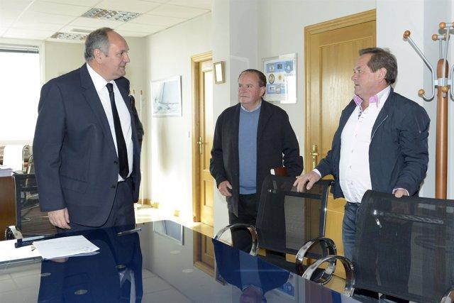 Fernández se reúne con el alcalde de Polaciones
