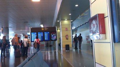 Aeropuertos canarios reciben más de 1,1 millones de pasajeros extranjeros en marzo, lo que supone una subida del 8,5%