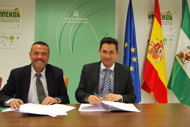 García Peláez y Pomares, en la firma del acuerdo actuaciones en García Grana