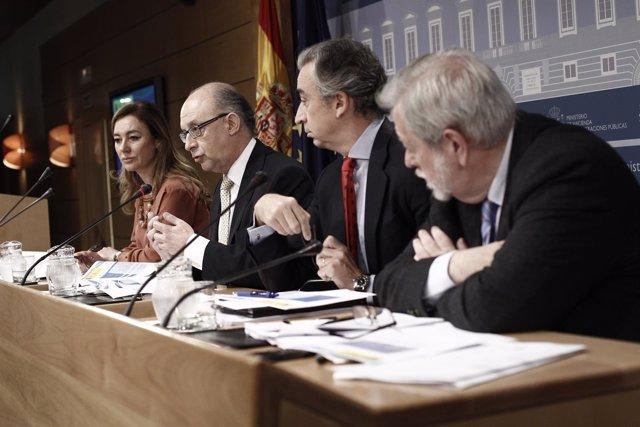 El ministro Montoro con sus secretarios de Estado