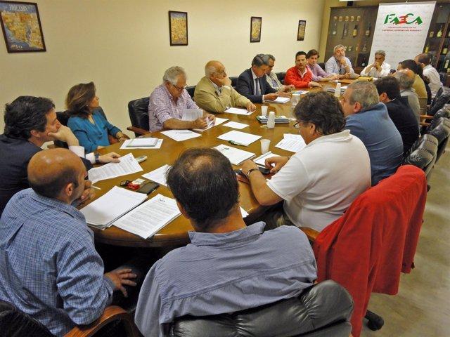 Reunión de Faeca con organizaciones agrarias y sindicales.