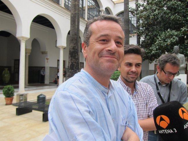 José Antonio Castro, hoy ante los medios