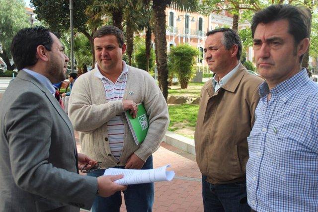 Dirigentes del PP de Huelva y de Nerva del PA de esta localidad.