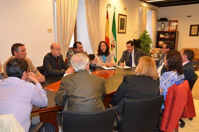 Juan Manuel Moreno Bonilla, se reúne con alcaldes de la zona minera de Huelva