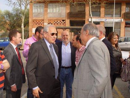 Alfonso Guerra echa en falta homenajes a exiliados españoles que se lo merecen y que aún no lo han recibido