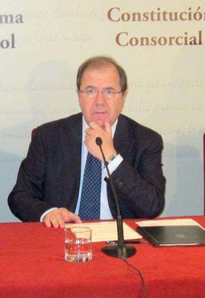 Herrera subraya la trascendencia de la licencia única de caza y pesca