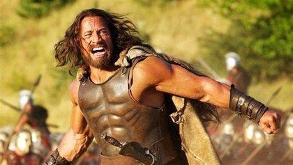 Dwayne Johnson se prepara para la guerra en el primer clip de Hércules