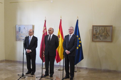 Montoro, Garre y Valcárcel en rueda prensa tras toma posesión nuevo presidente