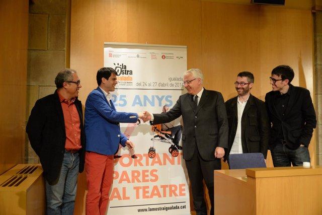 El conseller de Cultura, F.Mascarell y el alcalde de Igualada M.Castells