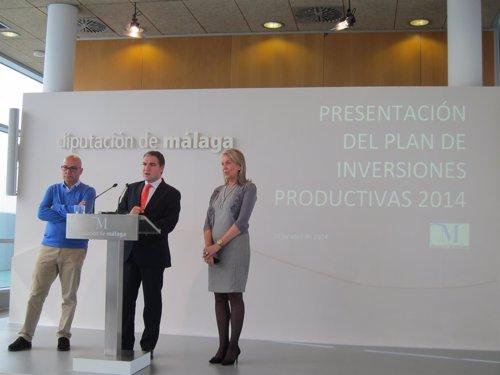Bendodo, junto a Caracuel y López Nieto en la Diputación