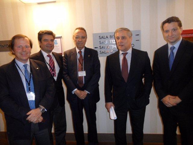 Delegación española con el vicepresidente de la UE