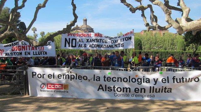 Trabajadores de Alstom ante el Parlament
