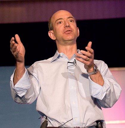 Amazon paga a sus empleados 5.000 dólares si dimiten