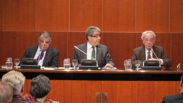 J.Sales, el conseller F.Homs y el catedrático de sociología S.Giner