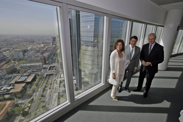 González y Botella con el presidnete del World Travel Tourism Council