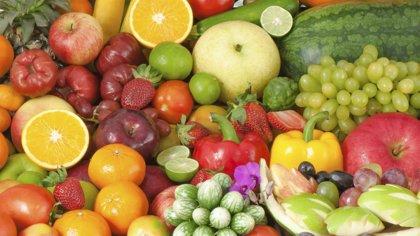 Frutas y verduras sí, pero frescas y enteras