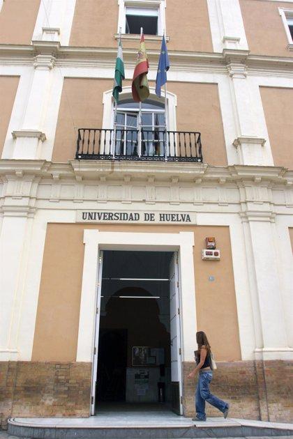 """La Onubense destaca """"la acogida"""" del Programa Matrícula, que consigue 70.000 euros en dos meses"""