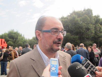 """Lambán cree que es """"un peligro para los aragoneses"""" que """"un trasvasista"""" como Cañete encabece la lista del PP"""