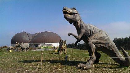 El Museo del Jurásico de Asturias permanecerá abierto todos los días hasta el 27 de abril