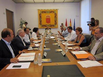 El PSIS de Guenduláin y el conflicto laboral del transporte sanitario, en la Mesa y Junta