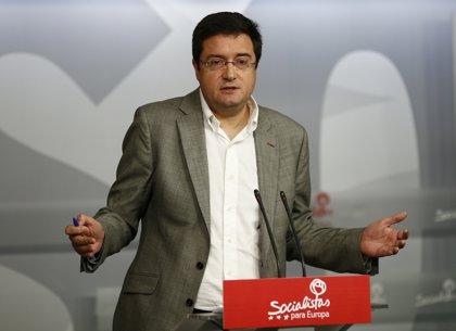 """López (PSOE) acusa a PP de funcionar desde su origen con """"cajas B, sobresueldos, dinero negro, y financiación irregular"""""""