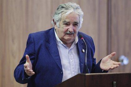 Mujica visitará a Obama y le pedirá dinero