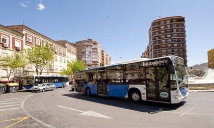 Los usuarios del autobús urbano suben un 5,3% en febrero en Extremadura, hasta los 965.000