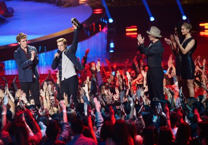 Los Juegos del Hambre dedica su victoria en los MTV Movie Awards a Phillip Seymour Hoffman