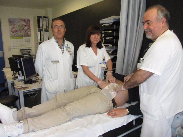 El equipo médico y de enfermeros del servicio de ostomía
