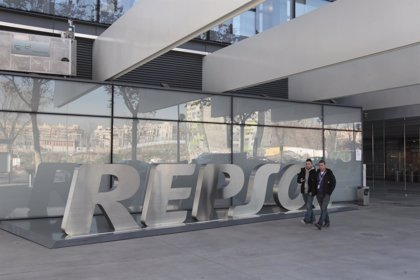RSC.-Repsol incorporó a su plantilla a más de un millar de trabajadores en 2013, un 49% mujeres