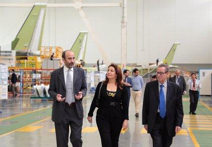 Crespo expresa el apoyo del Gobierno al desarrollo del sector aeronáutico en Andalucía
