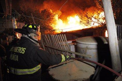 """La ONEMI cree que hubo """"intervención de terceros"""" en el origen del incendio de Valparaíso"""