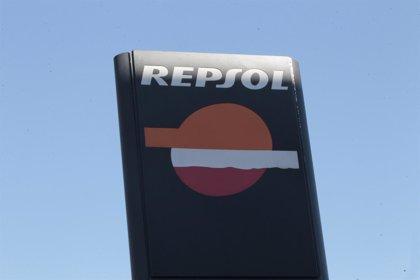 Economía/Empresas.- Fitch eleva a positiva la perspectiva del 'rating' de Repsol tras el acuerdo sobre YPF