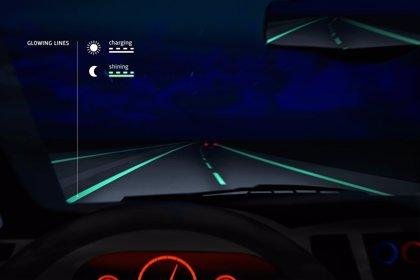 La primera carretera inteligente que se ilumina al anochecer está en Holanda