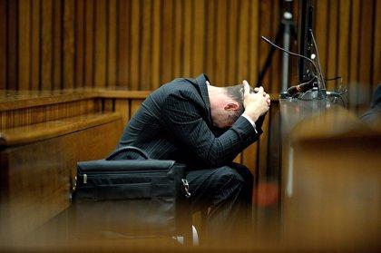 """Pistorius rompe a llorar y el fiscal le acusa de estar """"actuando"""""""