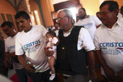 La liberación de Hipólito Mora es una condición para el desarme