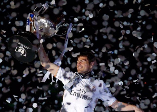 El Real Madrid gana al Barça la Copa del Rey y tiñe la capital de blanco