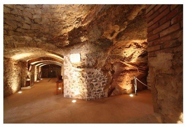 Recorrido por las antiguas neveras del Bajo Aragón.