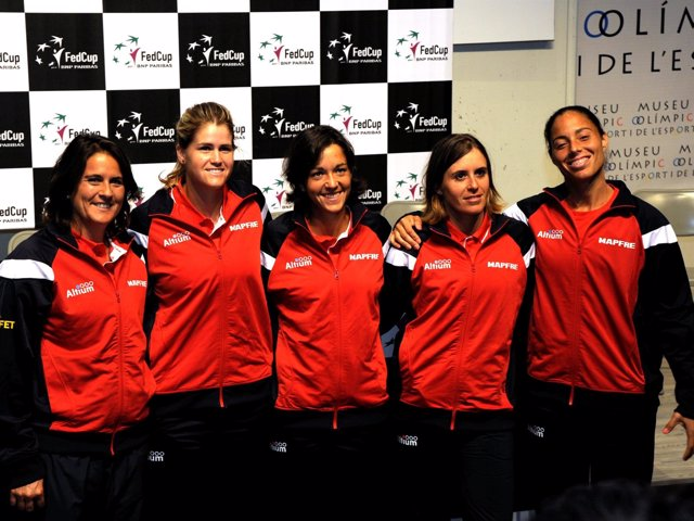 Conchita Martínez y el equipo español de Copa Federación