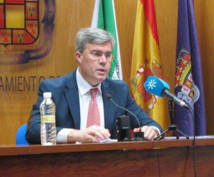 """El alcalde critica el """"silencio"""" de la Junta tras su firma """"hace dos semanas"""" del convenio del IES del APA III"""
