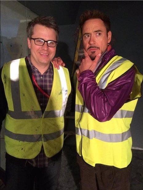Robert Downey Jr.  Primera imagen en el set de Los Vengadores, la era de Ultron