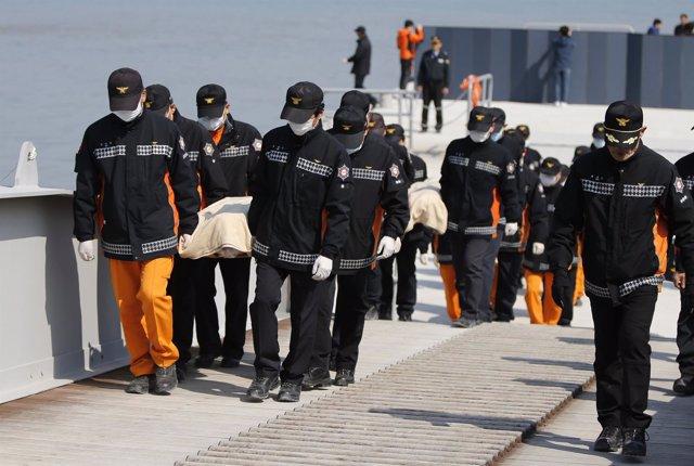 Hundimiento del ferry Sewol en Coreal del Sur