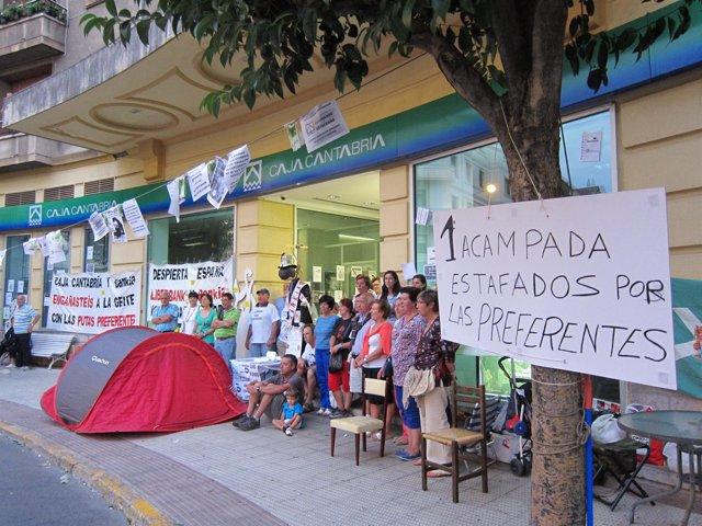 Acampada de preferentistas en Castro Urdiales