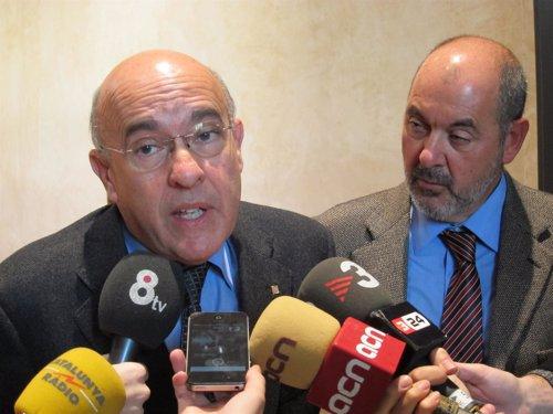 El conseller de Salud Boi Ruiz y el director del CatSalut J.M.Padrosa