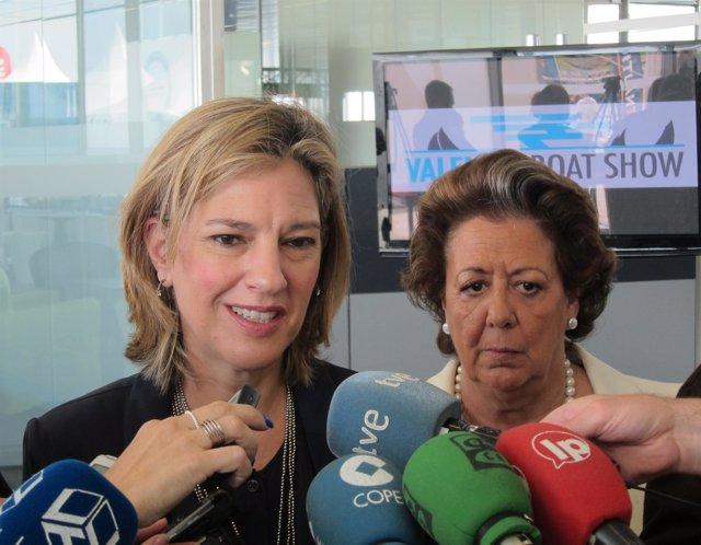 Sánchez de León y Barberá atendiendo a los periodistas
